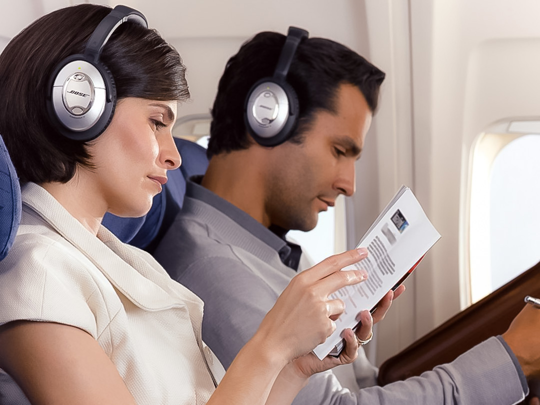 10 best headphones for airplane travel in 2018 headphones encyclopedia. Black Bedroom Furniture Sets. Home Design Ideas