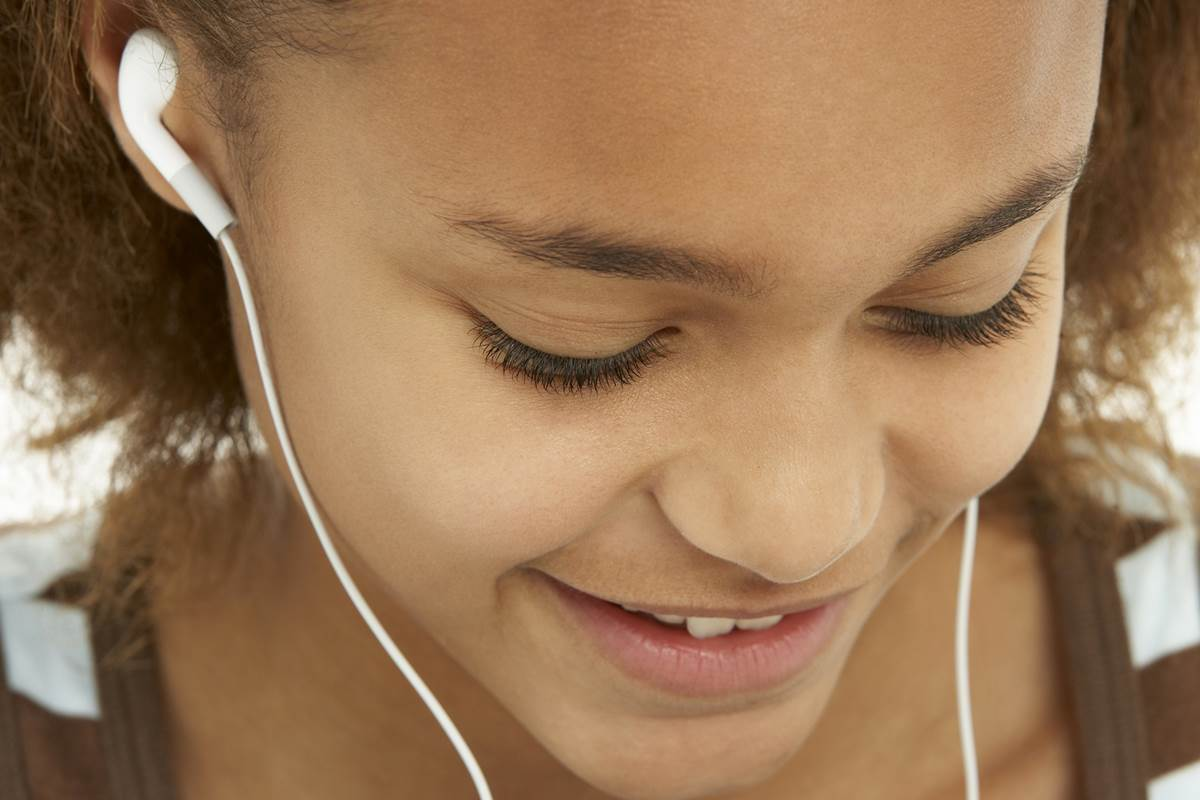Do Earbuds Damage Your Ears More Than Headphones?